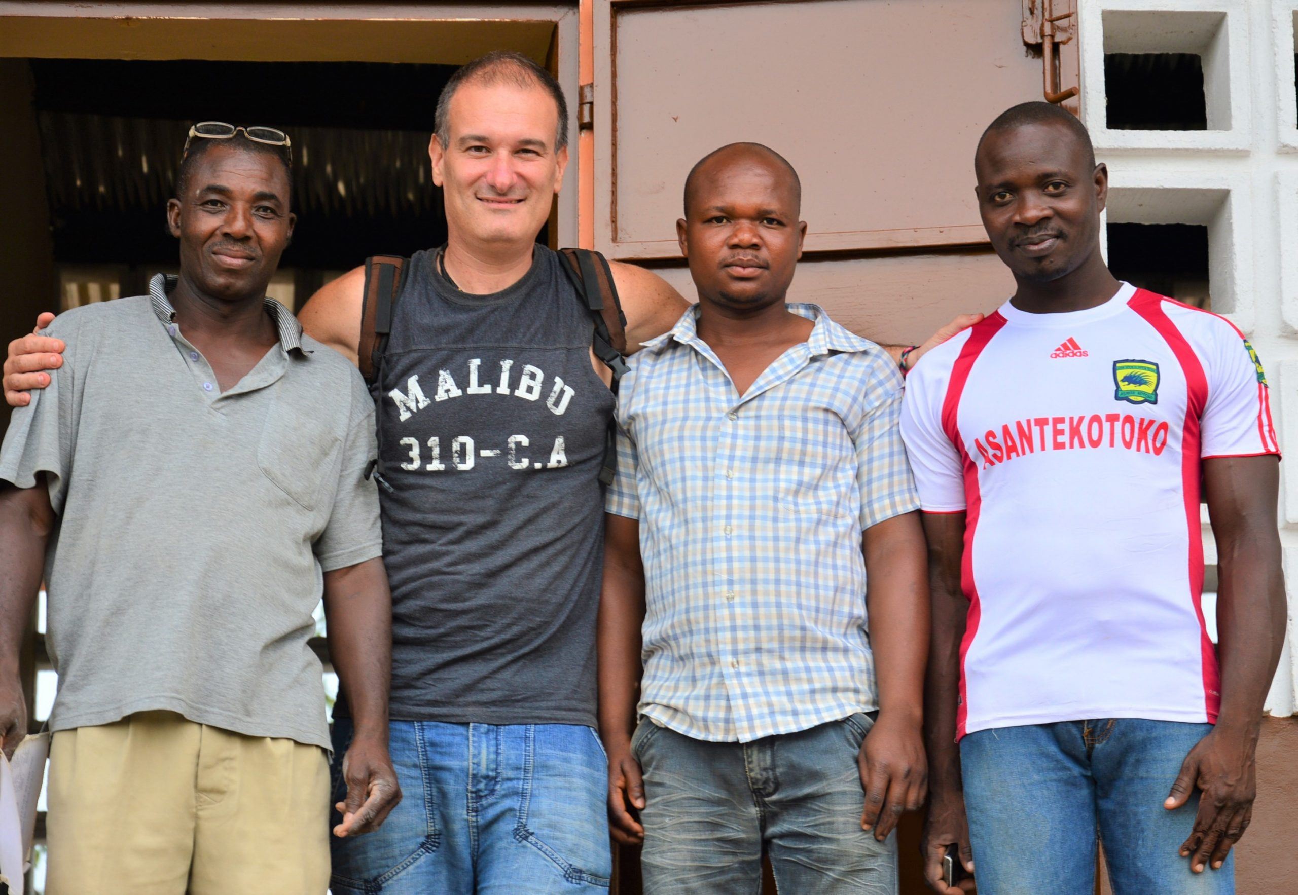 danyi-hi-heatro-il-progetto-di-sostegno-scolastico-in-un-villaggio-africano
